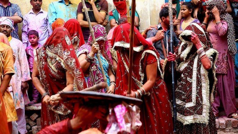 عجائب وغرائب النساء في الهند